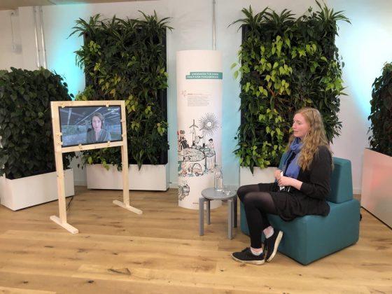Ellen Ueberschär und Nora Sophie Griefahn im Gespräch